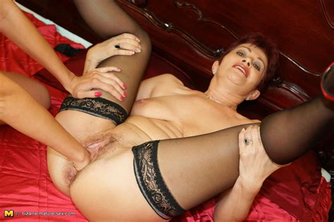Kinky Mature Slut Getting Fisted By A Hot Babe Granny Nu