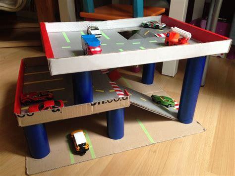 Spielzeug Haus Garage by Parkhaus Voll Autos Basteln Crafts For Diy For