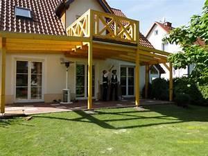 Balkon Handlauf Holz : terrassendach mit balkon ideen mit holz ~ Lizthompson.info Haus und Dekorationen