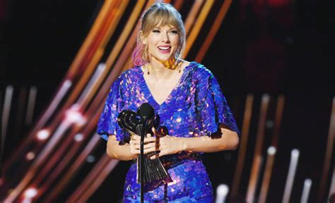 Taylor Swift 'blocked' from performing her own music amid ...