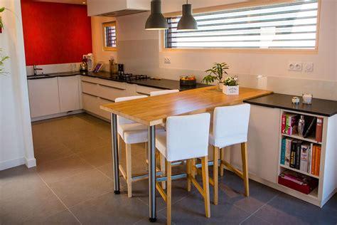 table de cuisine sur mesure table haute de cuisine sur mesure avec plateau en chêne