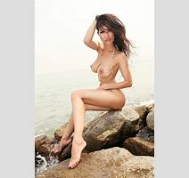 Asia S Sexiest Dj Angie Vu Ha Nude Photos Leaked