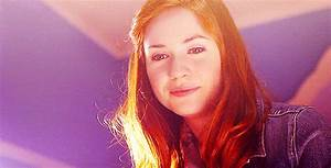 Karen Gillan Lily Evans GIFs - Find & Share on GIPHY