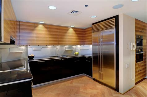 pictures of kitchen cabinet yay or nay black kitchen cabinets the vht studios 4206