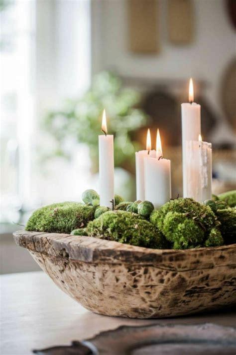 Weihnachtsgestecke Aus Holz by Naturnahe Weihnachtsdeko Mit Einem Adventskranz Aus Holz