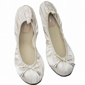 The most comfortable bridal shoes: ballet style
