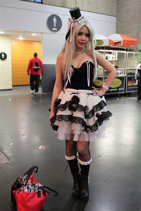 sexiest cosplayers    york anime festival
