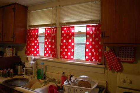 Red And White Gingham Kitchen Curtains Mona Lisa Shower Curtain Curtains On Stage Paris Kitchen Plastic Rods Types Of Drapes And Splashing Nigel Ready Made Blackout Cream