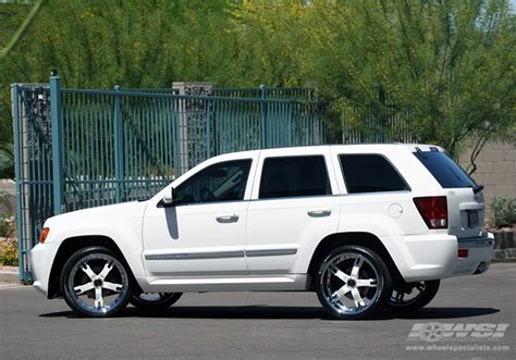 white jeep grand cherokee custom 2008 jeep grand cherokee with 22 quot gianelle qatar in chrome