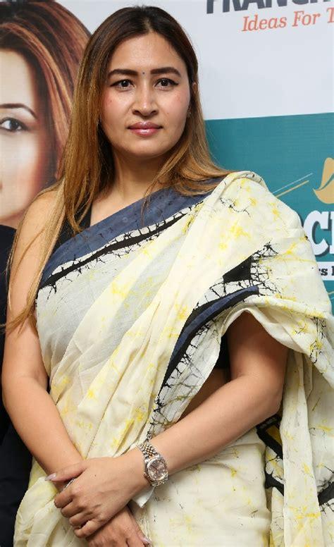 Badminton Player Jwala Gutta Stills In White Saree | Indian Filmy Actress