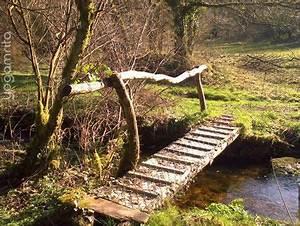 Petit Pont En Bois : le ruisseau et le petit pont petits ponts au jardin small garden bridges pinterest ~ Melissatoandfro.com Idées de Décoration