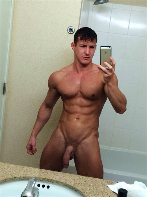 Nude Muscle Guy With A Big Uncut Cock Nude Amateur Guys