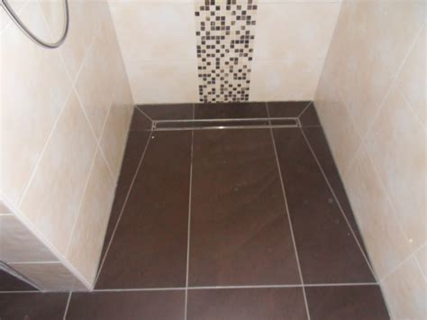 Badezimmer Begehbare Dusche by Bodengleiche Dusche Gro 223 E Fliesen Duschrinne Fliesen