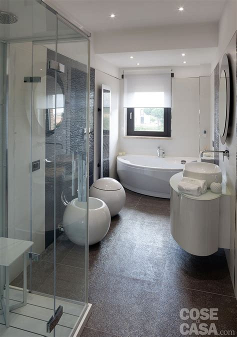 casa bagno luminosit 224 e comfort per la casa dai volumi aperti cose