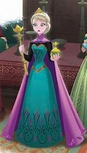 Elsa robes and frozen on pinterest for Robe du couronnement anna