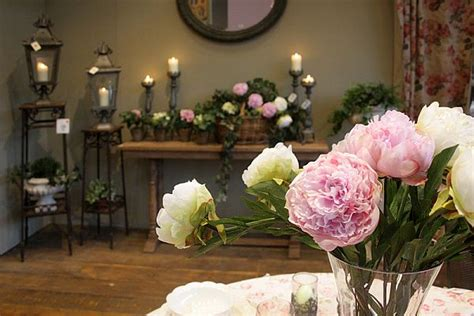 How To Incorporate Flowers Into The Home This Summer