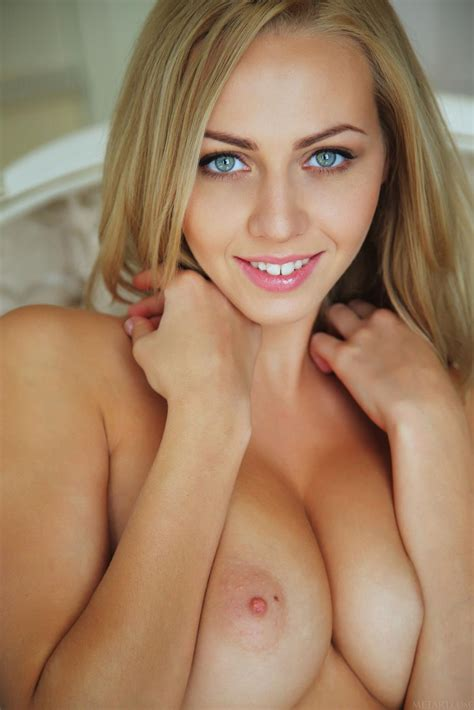 big Titted Blonde Lija Is Uncovering Her Awesome Pussy Cleft Before The Camera