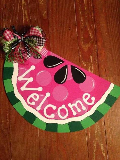 idea  collette kite phillips  paint  door hangers diy summer door hanger wooden door