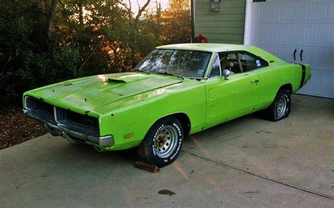 Born 2 Run: 1969 Dodge Charger R/T