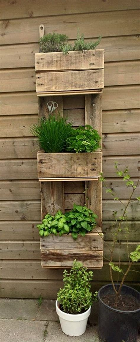 Decorating Ideas Using Pallets by Home Decor Ideas With Wood Pallet Upcycle