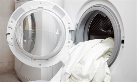 3 Simple Rules Of Washing White Clothes For Dazzling