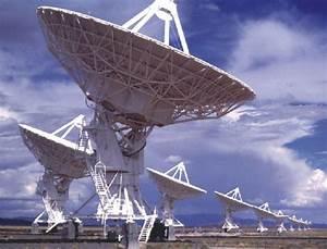 APOD: 2002 May 28 - The Very Large Array of Radio Telescopes