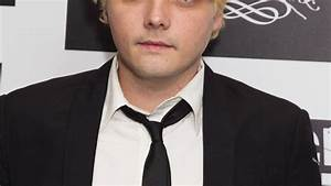 Former My Chemical Romance Frontman Gerard Way Details ...