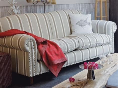 canapé cuir style anglais canape style anglais tissu fleuri canapé idées de