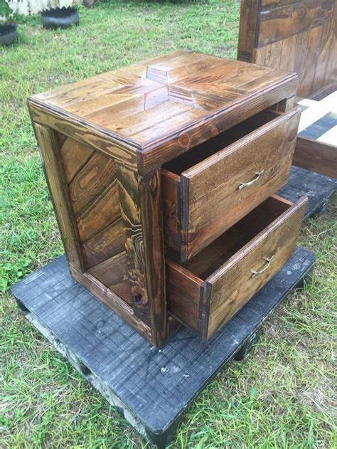 queen size pallet bed   tables wood pallet furniture