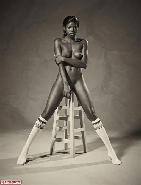 Ebony Goddess Simone Shows Athletic Body In Classic Nudes By Hegreart Photos Erotic Beauties