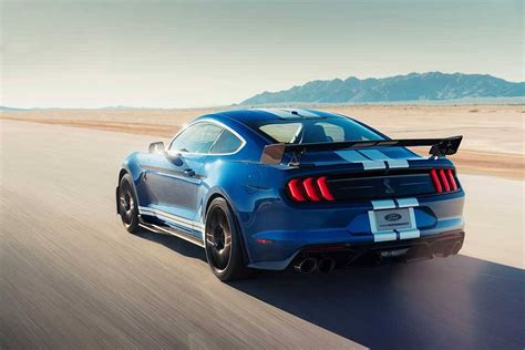 ford debuts 2020 shelby gt500 the 2020 ford mustang shelby gt500 debuts in detroit