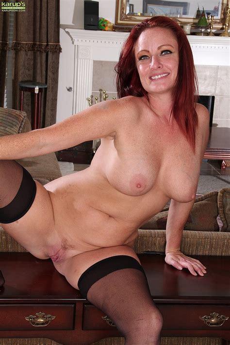 filthy milf brandie jones flick her pink slit milf fox