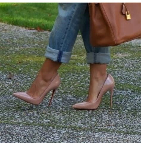 So Kate Louboutinlieds 120mm Nude Patent Leather Shoes