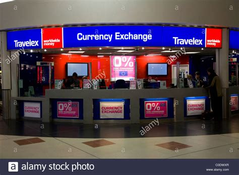 bureau de change evry bureau de change office operated by travelex at gatwick airport stock photo royalty free image