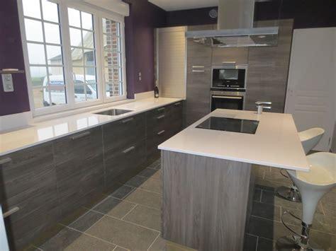 cuisine blanc et grise cuisine indogate decoration cuisine en jaune cuisine