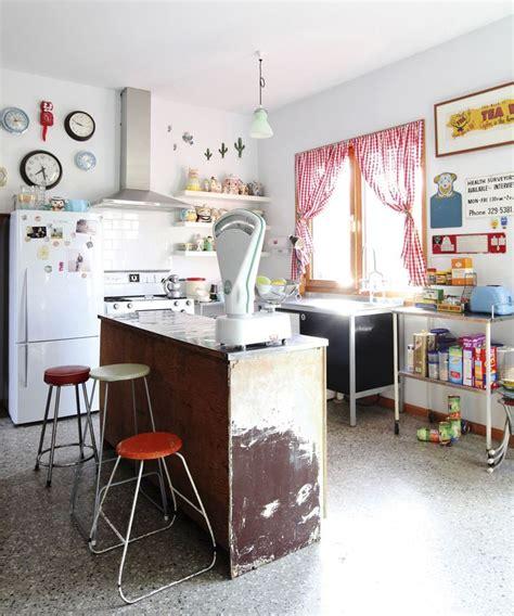 cuisine style retro cuisine deco retro inspiration annees 70 bar vieilli