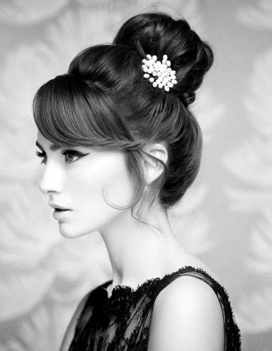 26 Quick Indian wedding/bridal hairstyles for inspiration