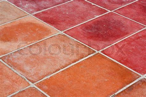 Rote Fliesen Bad by Perspektive Square Roten Fliesen Boden Stockfoto Colourbox