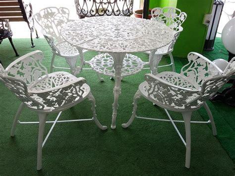 mesa de jardin de aluminio fundido   sillas