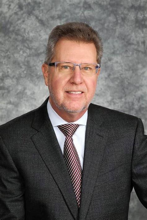 whos   health care mark  frey chief executive