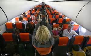 french easyjet crew plan  day strike  bank holiday