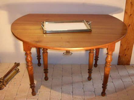 le bon coin table ronde en merisier table de lit