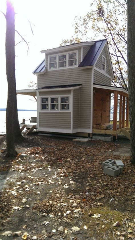 story tiny cabin  butler island  vermont