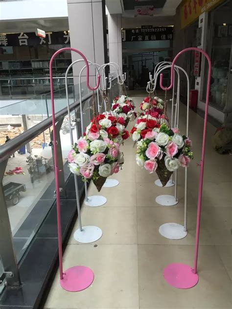 white or pink wedding hook Metal road lead for wedding
