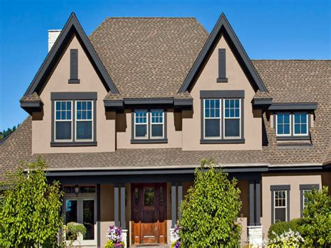 exterior paint colors to match brown roof home design