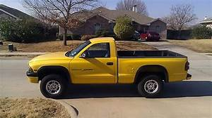 Sell Used 1999 Dodge Dakota 4x4  318 V8  5 Speed Manual