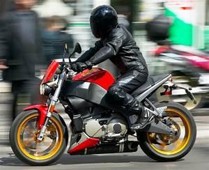 Fiche Moto 12 : buell xb 12 s lightning 2004 fiche moto motoplanete ~ Medecine-chirurgie-esthetiques.com Avis de Voitures