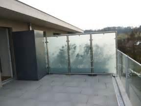 balkon sichtschutz nach maãÿ glaswindschutz panther glas