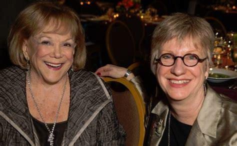 Life Trustee Arlene Schnitzer With Bonnie Laing-malcolmson