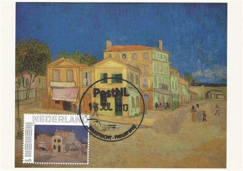 arles maison jaune bouches du rhone cartes postales d